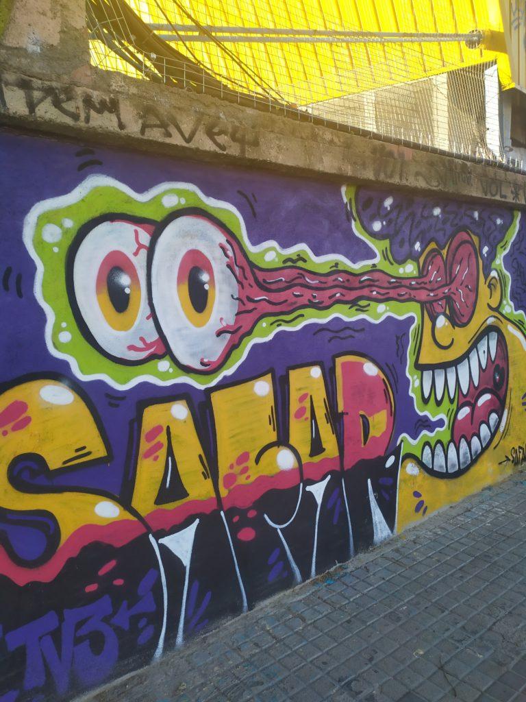 Граффити на улицах Барселоны