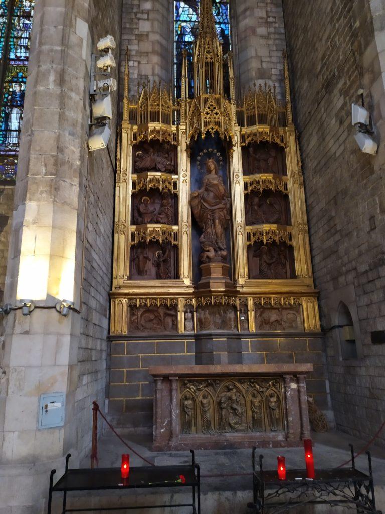 Собор Санта-Мария-дель-Мар внутри